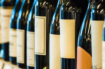 並んでいるワイン