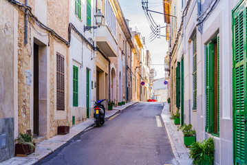 Fototapete - View of an narrow street with mediterranean buildings