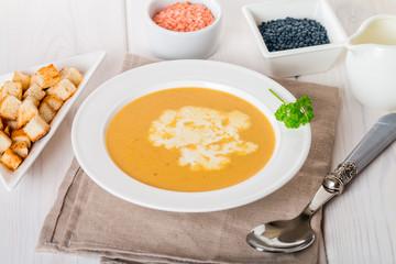 Vegetarian lentil cream soup