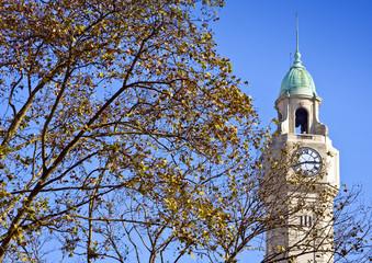 Plaza de Mayo. Torre de la Legislatura en Buenos Aires