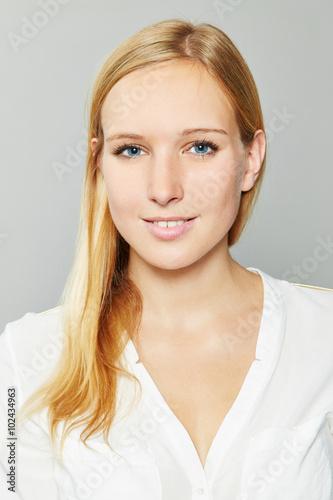 Bewerbungsfoto Von Einer Blonden Frau Stockfotos Und Lizenzfreie