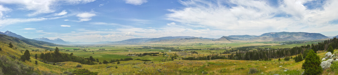 Montana's Paradise Valley in Panorama