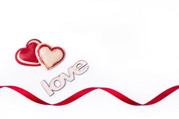 cuore cioccolato su fondo bianco