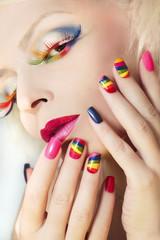 Wall Mural - Маникюр и макияж с радугой.