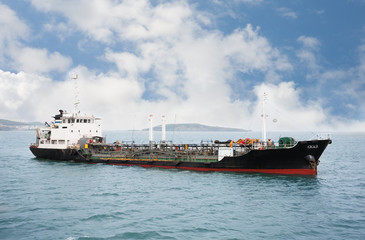 Port ship bunkering tanker