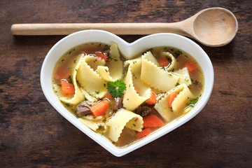 leckere Nudelsuppe
