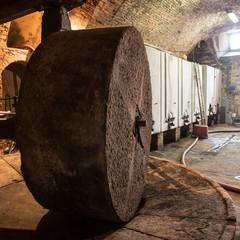 Frantoio antico in pietra