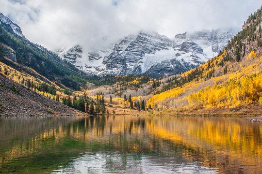 Fall foliage at Maroon Bells, Aspen, Colorado