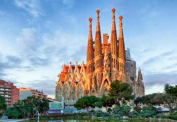 Photo sur Aluminium Barcelone BARCELONA, SPAIN - FEBRUARY 10: La Sagrada Familia - the impress