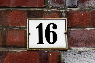 Hausnummer Sechzehn