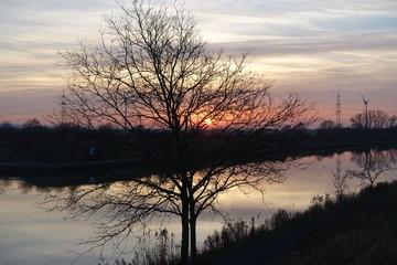 Sonnenuntergang am Mittellandkanal bei Steinhude, Niedersachsen, Deutschland