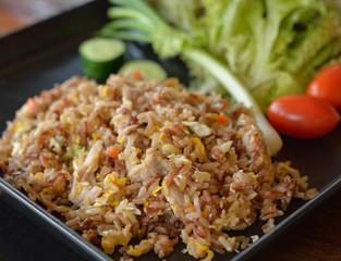 stir-fry brown rice with pork and egg