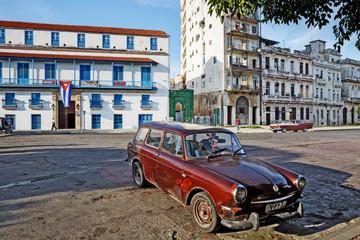 Cuba; La Habana Vieja, Old Cars
