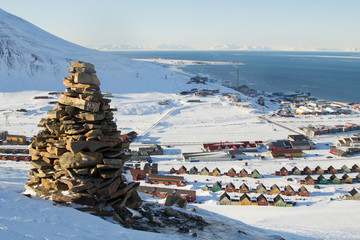 Panoramic views of Longyearbyen, Spitsbergen (Svalbard) through the stones