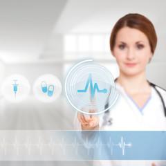 Ärztin wählt per Interface EKG-Monitor aus