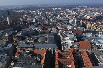 Leipzig, Blick auf die Messestadt mit Neuem Rathaus und Thomaskirche