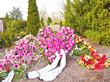 Auf dem Friedhof - Anlage einer Grabstelle - Blumendekoration