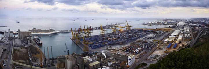 Грузовой порт. Барселона