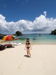 沖縄のビーチの女の子