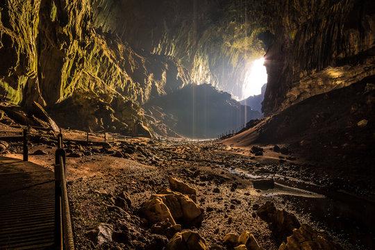 Deer Cave Höhle mit Fledermäusen in Borneo