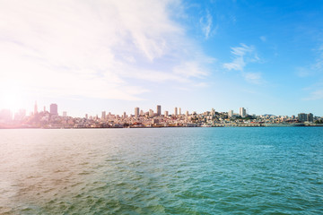 Fototapete - View on San Francisco from the bay waters