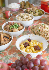 many food for pray at chinese new year
