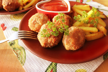 Meat balls with  potato fries