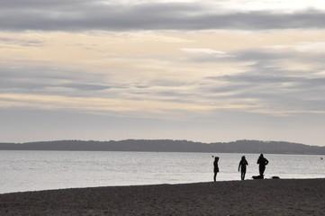 plage sous fond de soleil
