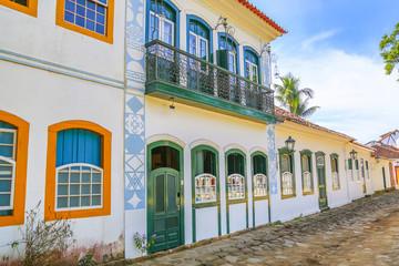 Exterior facede Paraty house