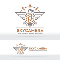 Eagle and Camera brand logo. Nature photography. Freedom photographer. Photography and travel business identity.