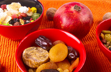 dried and fresh fruits