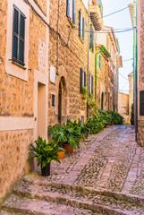 Wall Mural - Altes Dorf Gasse Fassaden Gebäude Mediterran