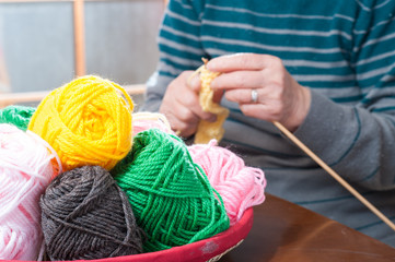 裁縫,女性の手