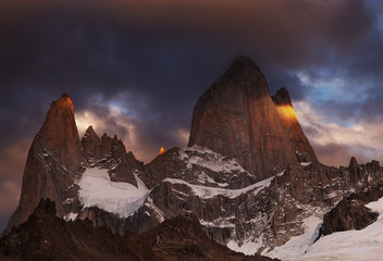 Wall Mural - Mount Fitz Roy at sunrise