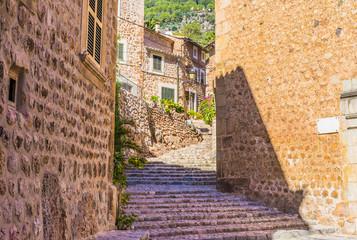 Fototapete - Mediterranes altes Berg Dorf Mallorca Fornalutx