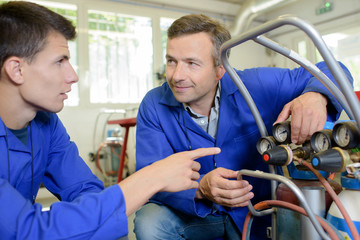 Apprentice asking about gas bottles