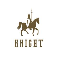 Knight on horseback with a chain mail armor, helmet, shield, spear vector ilustratsiya.