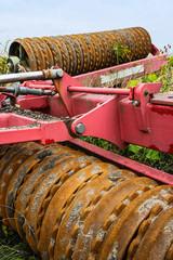 Walze zur Bodenbearbeitung auf dem Bauernhof