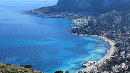 La pose en embrasure Palerme Golfo di Mondello - Palermo in Sicilia
