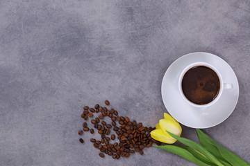 Kawa i Żółty Tulipan