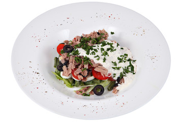 Fish tuna salad with green French bean, lettuce, tomatoes, olive