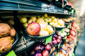 スーパーマーケットの玉ねぎ