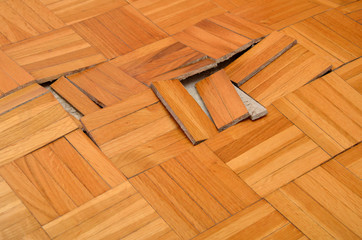 Obraz Destruction of Parquet in Apartment - fototapety do salonu