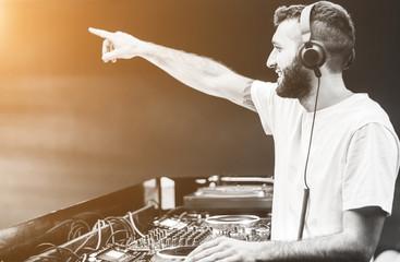 Dj mixing sounds