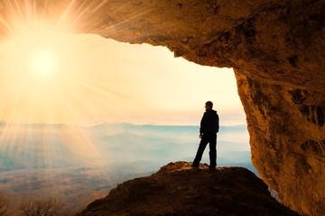 man  mainsails and caves