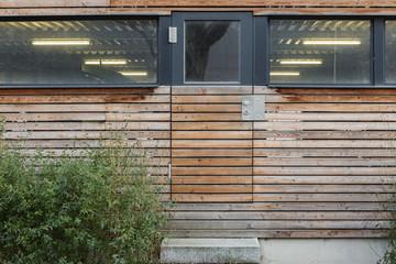 Eingang Holztür Gebäude