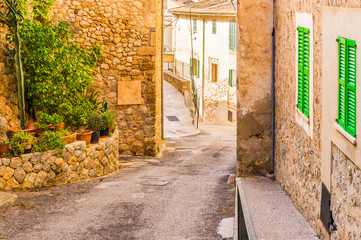 Fototapete - Altes Dorf Mediterran Rustikal Gebäude Häuser Straße