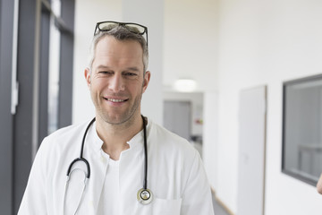 Germany, Saxony, Doctor smiling, portrrait