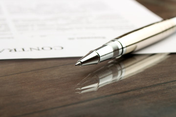 signing a contract, business contract details