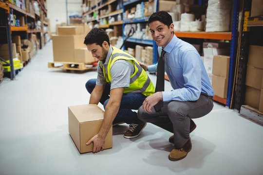 Manager training worker for health and safety measure